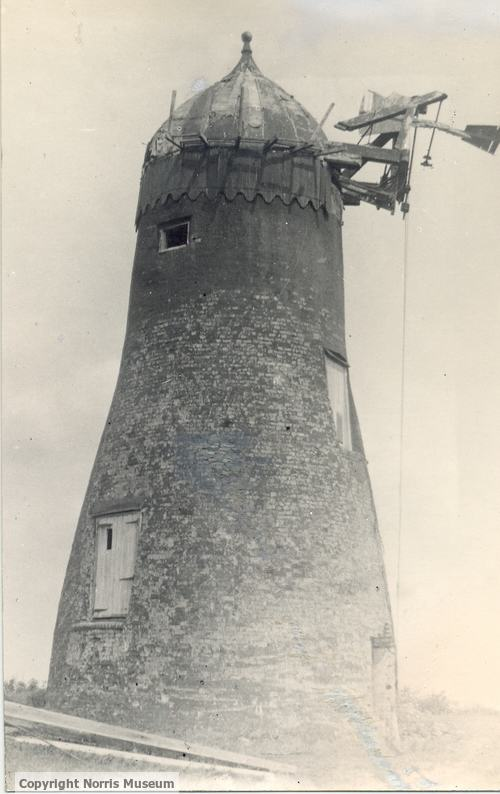 Spaldwick windmill in 1922
